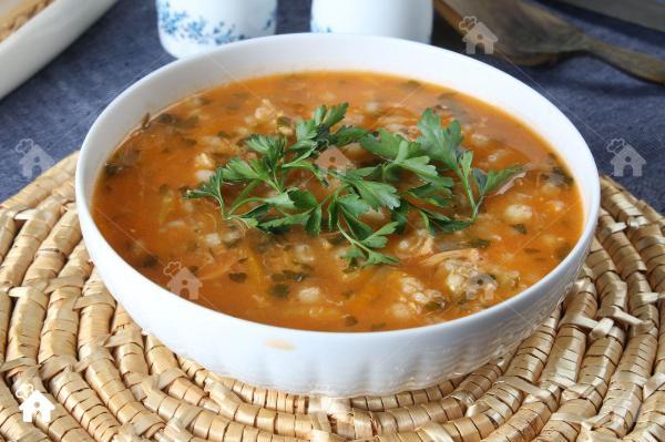 طرز تهیه سوپ جو سفید با قارچ