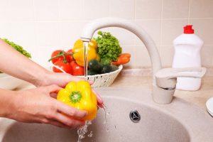 کاربردهای متنوع مایع ظرفشویی که اصلا از آنها خبر نداشتید