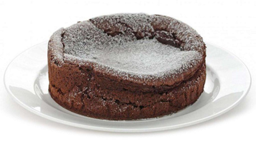 علت نپختن وسط کیک