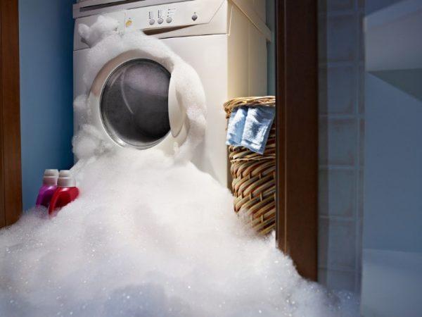 عیب یابی ماشین لباسشویی و نحوه رفع مشکل آن را از خانه شروع کنید