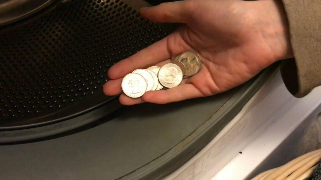 1.سکهها و اشیای آهنی را در لباسشویی نیندازید