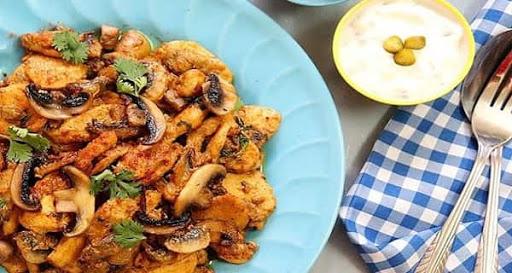 خوراک قارچ و مرغ مجلسی