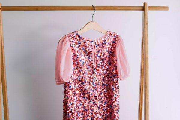 راه و روش شستن لباس مجلسی در خانه؛ مواجهه با جذابهای پردردسر